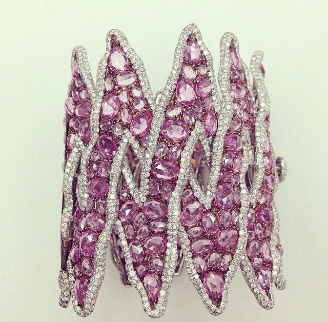 Lorraine Schwartz Pink Sapphires and Diamond Zig Zag Statement Cuff...