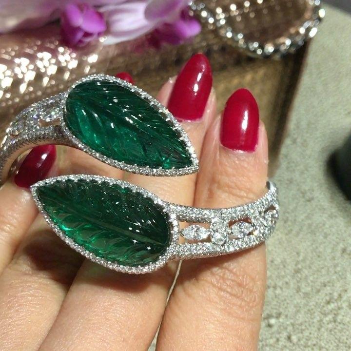 MMdiamonds Jewellrs MITRA(@mm_diamondsjewellers):「 Carved Zambian emeral...