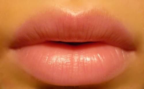 HOW TO GET LUSCIOUS KISSABLE LIPS