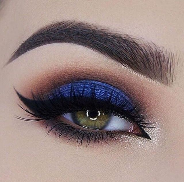 royal blue smokey eye ~ we ❤ this! moncheribridals.com...