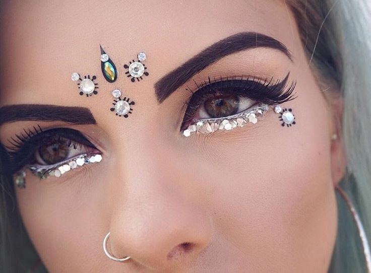 Winged liner and embellishments....