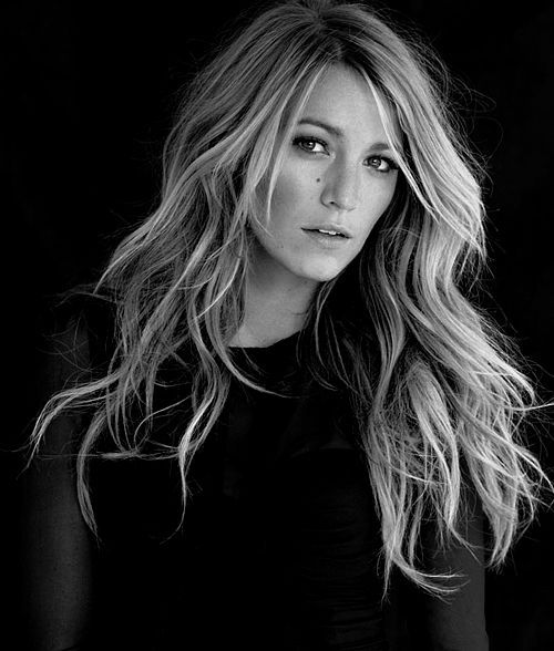 Long hair with waves. Blake Lively....
