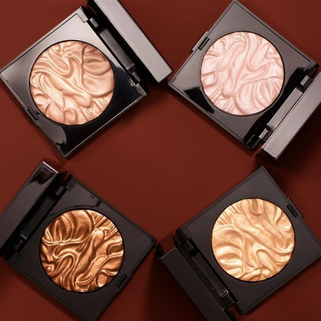 Laura Mercier Illuminator Powder   Amazing High-End Makeup Finds to Own Before 2...