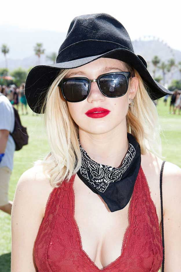 Spring Outfit Ideas | Best Hair & Makeup from Coachella Weekend 1, check it out ...