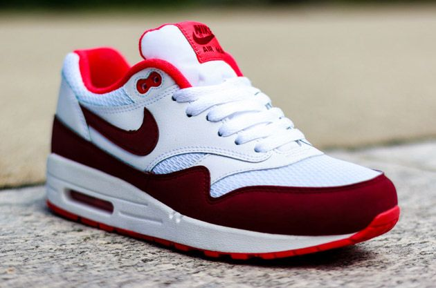 Nike Air Max 1 WMNS – White / Team Red – Action Red