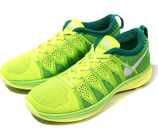 new style ec137 4647e Trendy Women s Sneakers