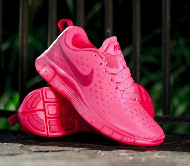 a613f0a9196f Trendy Women s Sneakers 2017  2018   Nike Free Express – Hyper Pink ...