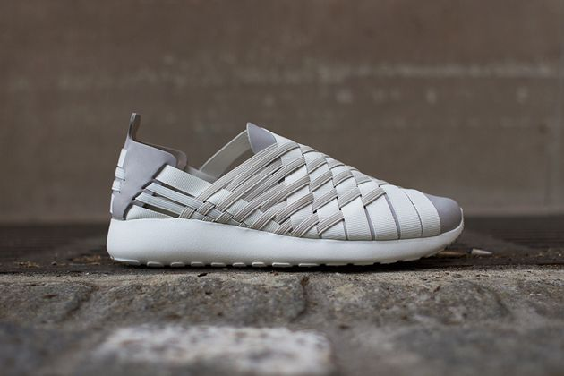 Nike Roshe Run Woven 2.0 - Light Orewood Brown / Summit White