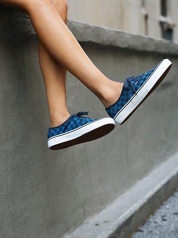 new style 44e74 96700 Trendy Women s Sneakers