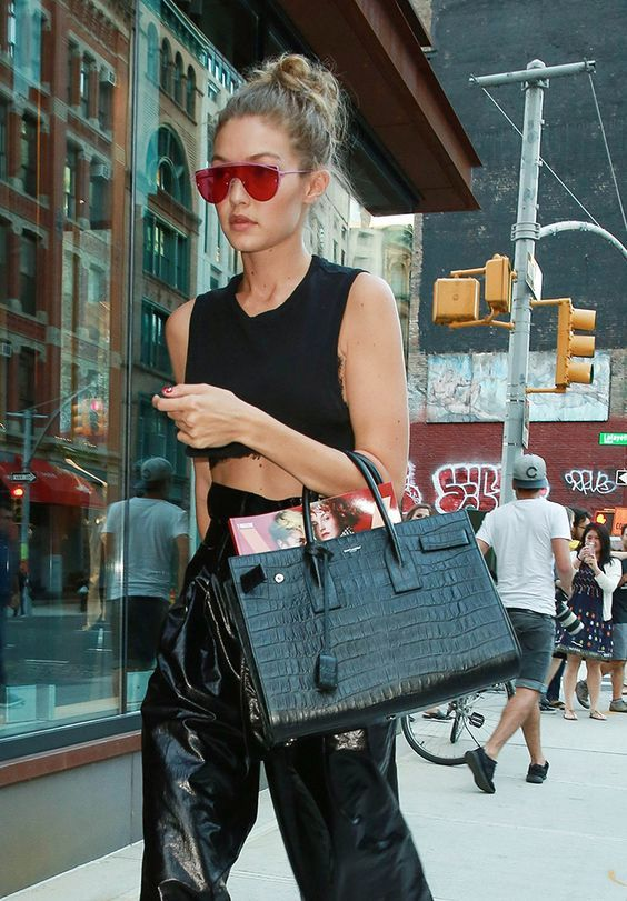 Gigi Hadid Street Fashion Inspiration & More Details That Make the Differenc...