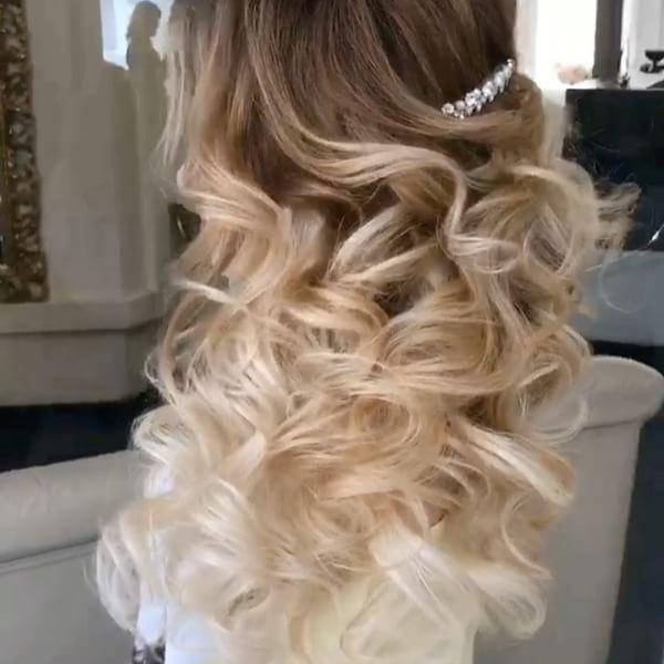 Featured Hairstyle:Elstile;www.elstile.ru; Wedding hairstyle idea....