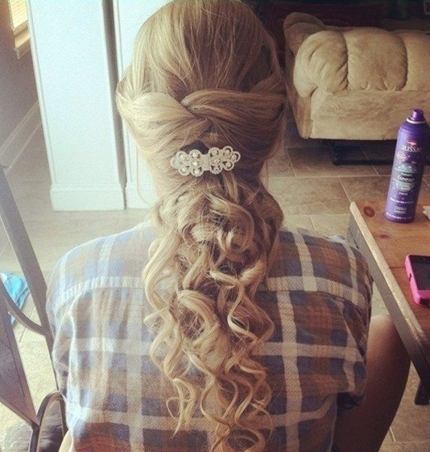 Use Hair Pieces with Curls | Hairstyle Tips by Makeup Tutorials at  makeuptutori...