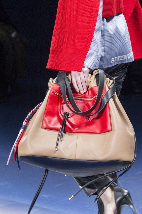 Versace Fall 2017 Fashion Show Details