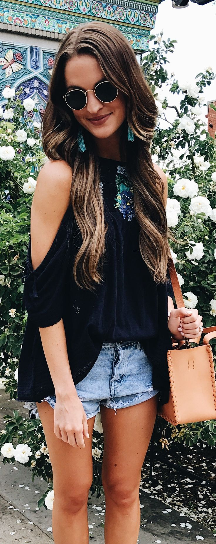 #summer #outfits The Most Perfect Summertime Top ☀️. Cold Shoulder, Loose An...