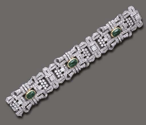 AN ART DECO EMERALD AND DIAMOND BRACELET - The flexible old European and single-...