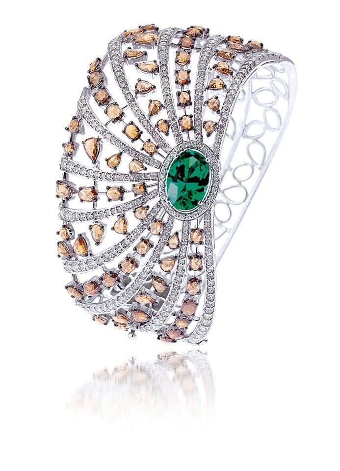 Bapalal Keshavlal, emerald and sapphire ring.