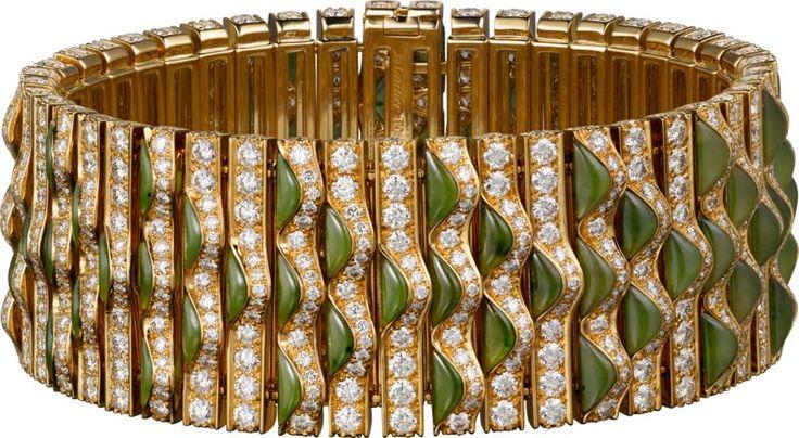 CARTIER. Bracelet – or jaune, jade néphrite, diamants taille brillant. #Carti...