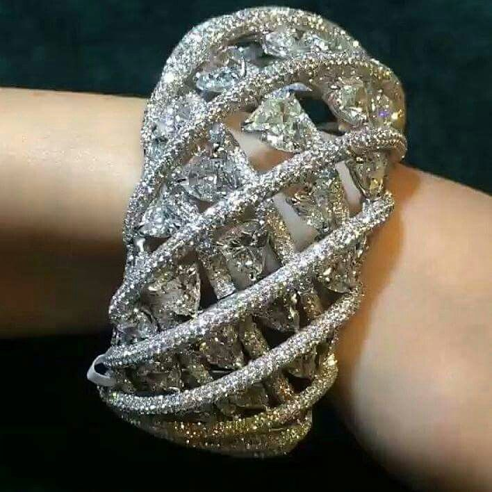 #CUFFGASM alert! Don't you just love the way these diamonds spiral around the wr...