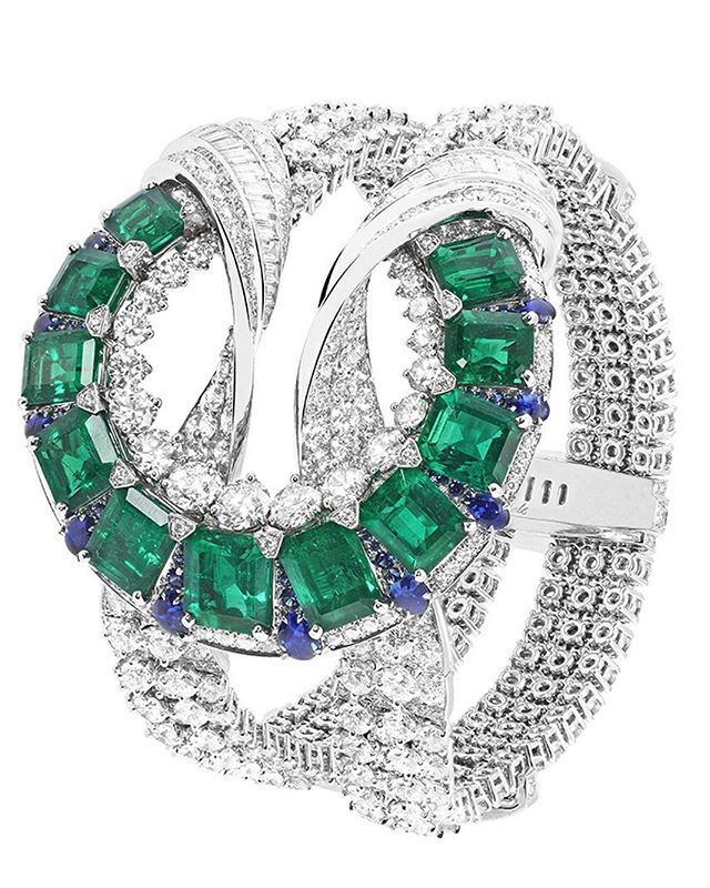 Van Cleef & Arpels recently presented its new high jewelrycollection dedicat...