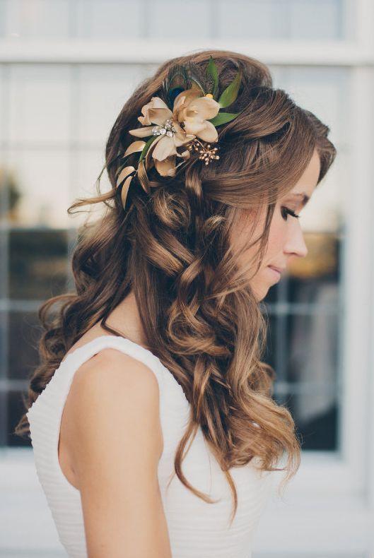 Featured Photographer: Mango Studios; www.mangostudios.com; Wedding hairstyle id...