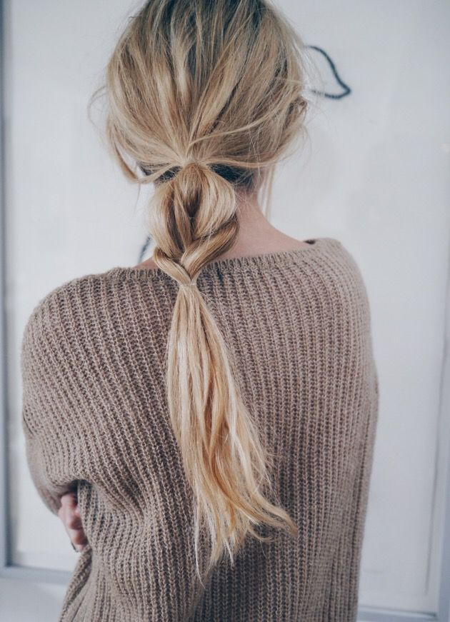 7 Monday Morning Hairstyles That You Can Do in Under 5 Minutes