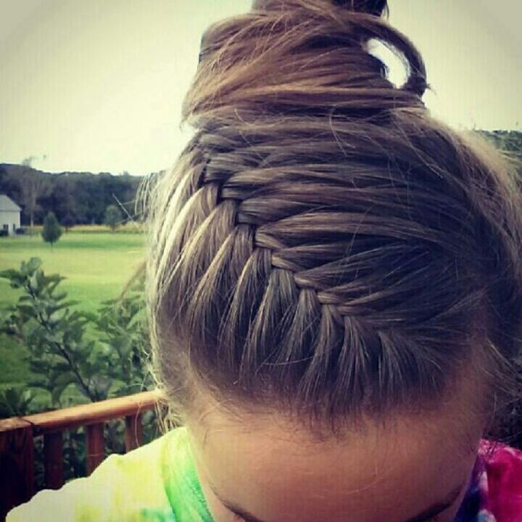 Fishtale french braid >> 11 Cool and Practical Hairstyle for Training...