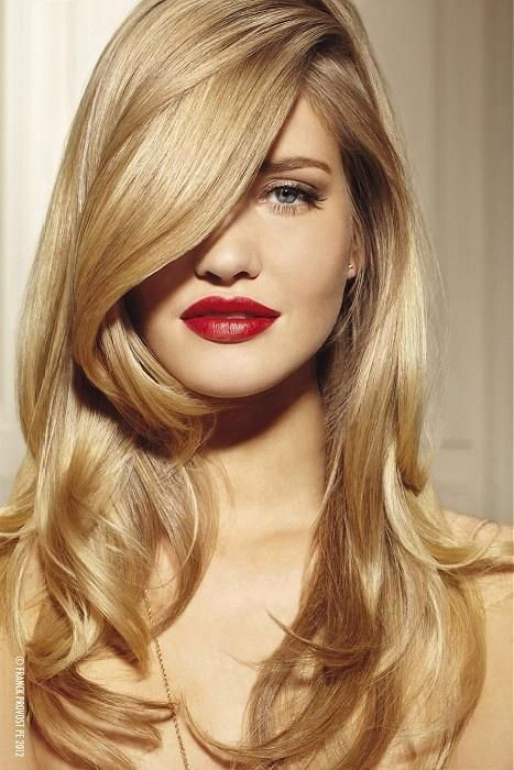 Make up, Hair, Perfect. Blondes Longhair with waves.