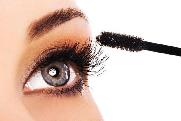 1. Volumized Lashes Hack | 35 Beauty Hacks You Need To Know About...