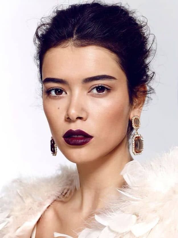 Dark Lips | Wedding Makeup Looks Inspiration For Your Big Day...