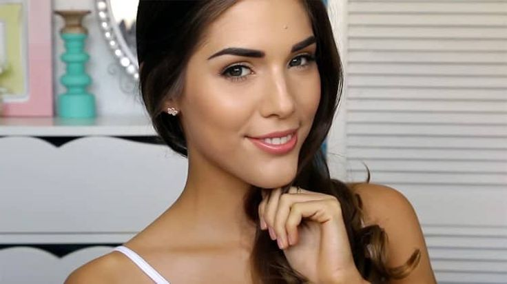 Looking for a drugstore makeup tutorial to rock this spring? This makeup tutoria...