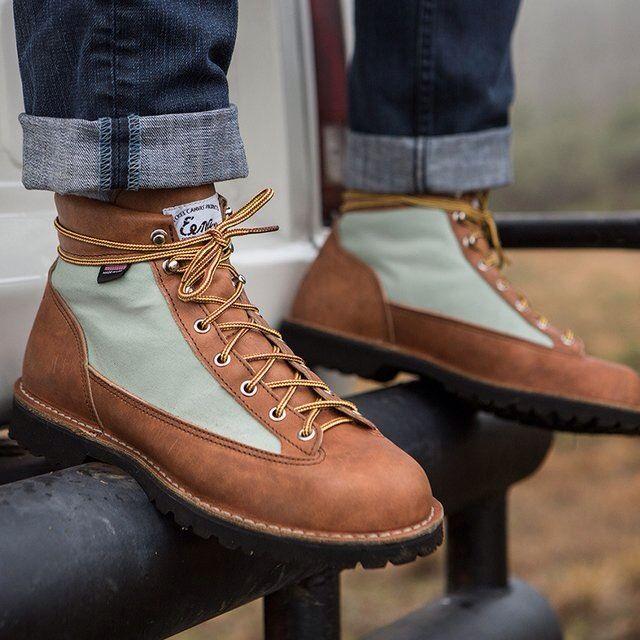 Light Beckel Canvas Mint Boots