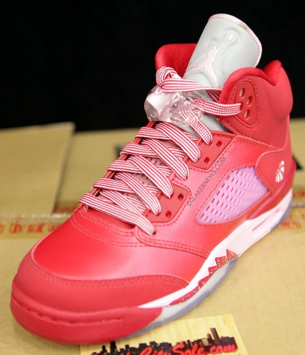 "Air Jordan V GS ""Strawberry"" (2013) – Zdjęcia"