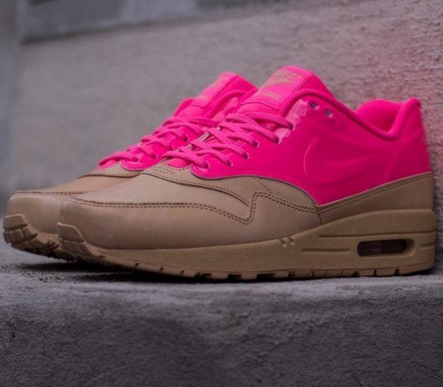 Nike WMNS Air Max 1 VT QS – Vacchetta Tan / Pink Flash