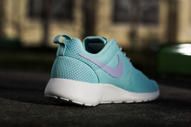 best loved ce19d 02baf Nike WMNS Roshe Run – Glacier Ice  Purple Fade – Grey  White