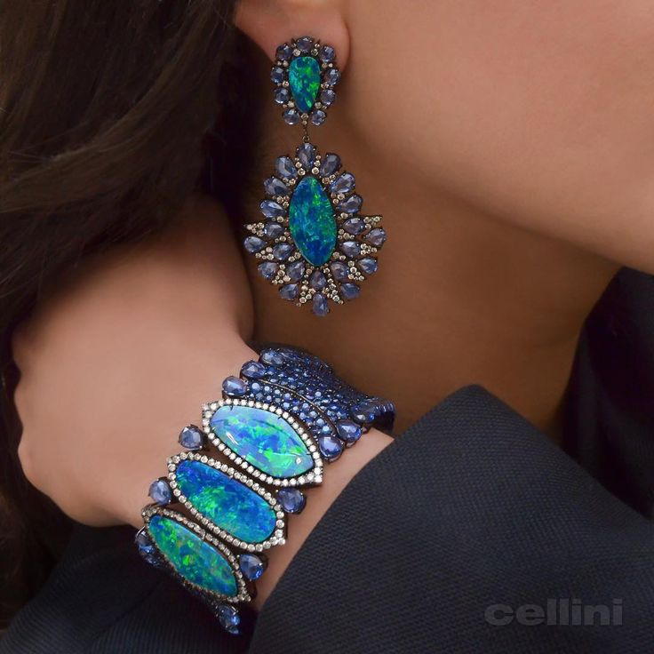 """""""Always a Winter Wonderland @cellini_jewelers with Sutra Jewels ❄️❄️#F..."""
