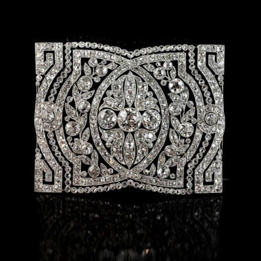 Beautiful Belle-Epoque articulated collar-piece of rectangular form with three c...