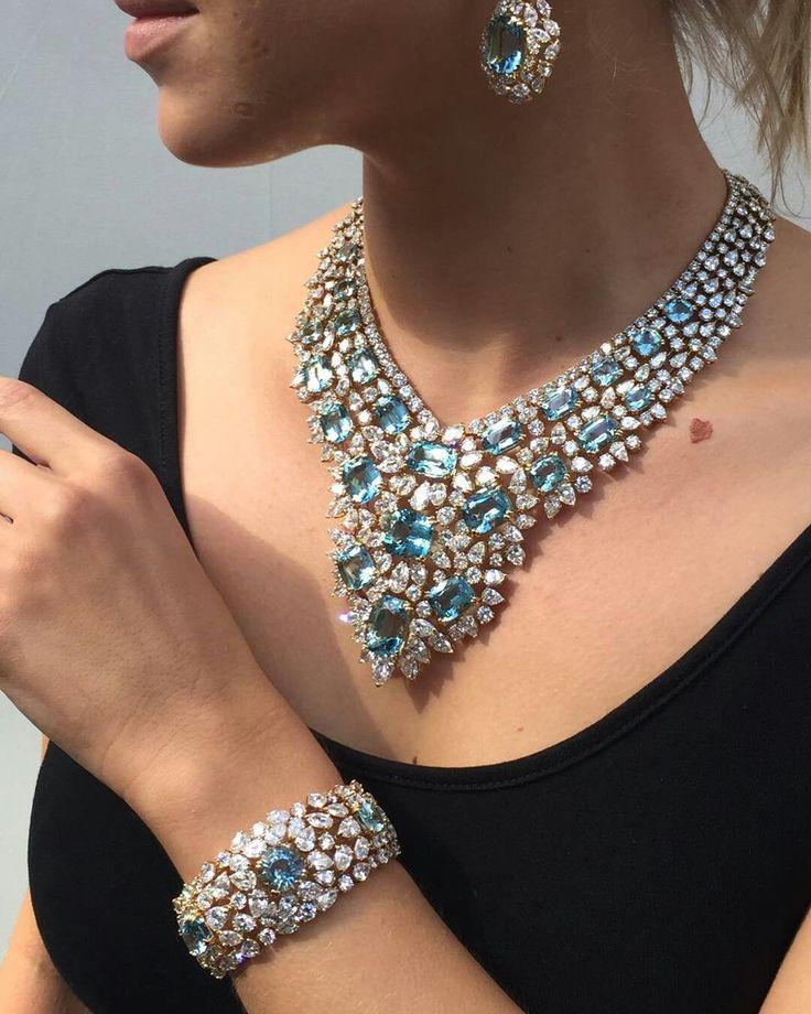 Hot jewellery @martindudaffoy #antiquejewelry #aquamarine #glamour #placevendome...