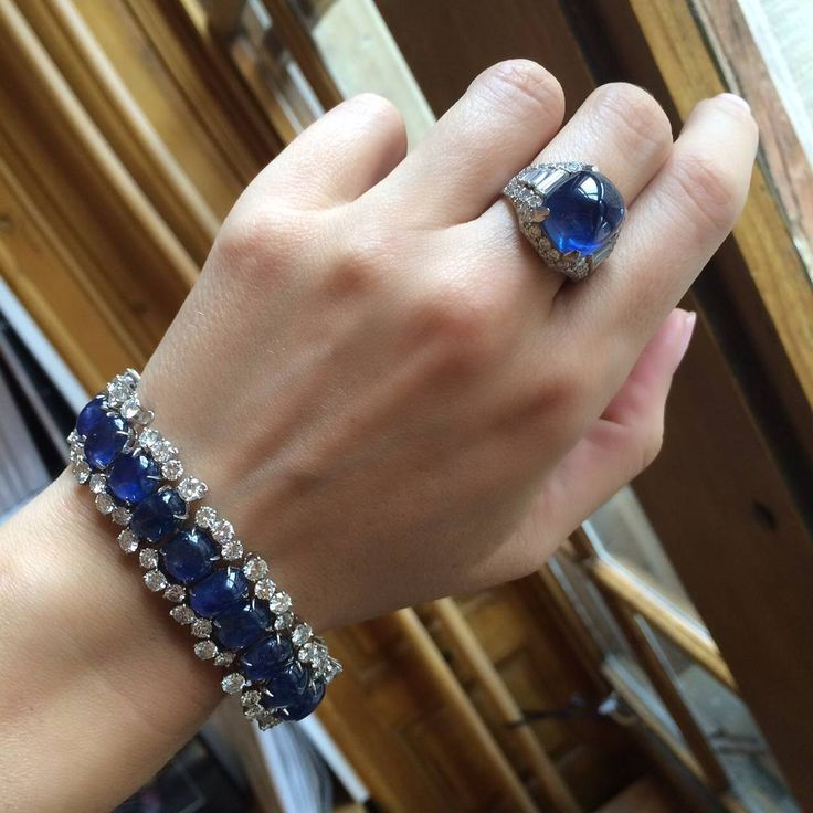Monday blues by @bulgariofficial .. On the auction block in November in Geneva.....