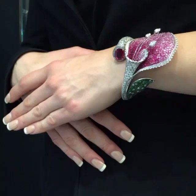 STUNNING!! Bracelet by @gismondi1754 #highjewelry #amazing #diamonds #beautiful ...