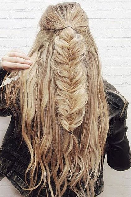 Fishtail half updo on the gorgeous /kassinka/. Love how she created this look wi...