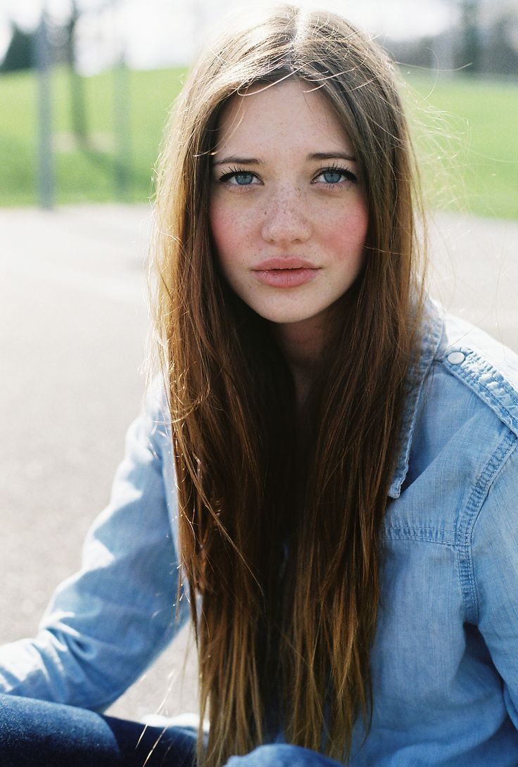 Long straight hair (& gorgeous freckles)...