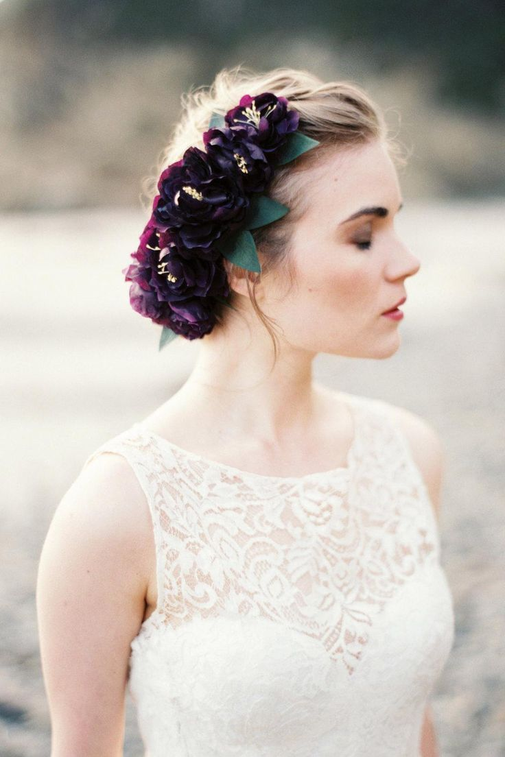 Love in bloom. Hairdo for long hair with accesories. For a wedding.