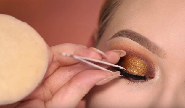 Step 10: False Lashes | Glamorous & Dramatic Holiday Makeup Tutorial...