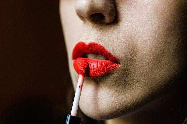 How To Apply Liquid Lipstick Like A Pro...