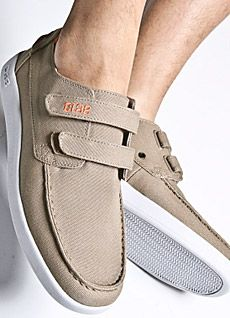 Boat Shoes   Clae