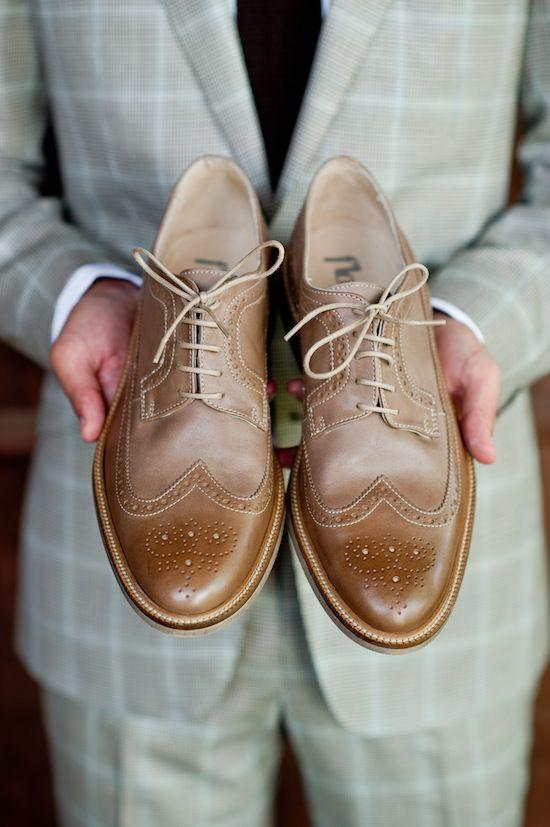 brown shoes, grey suit, I dig.