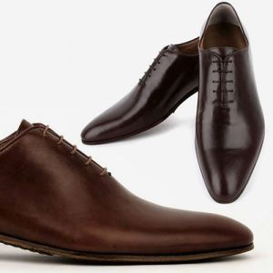 mens wholecut shoes