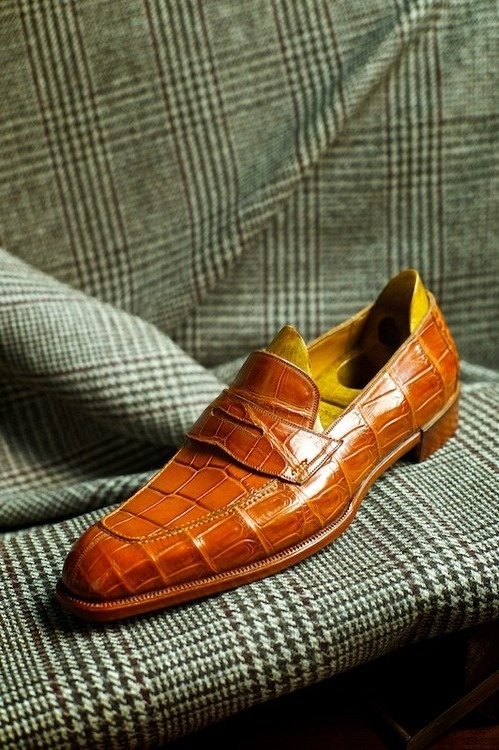 Tobacco Color Crocodile Loafers for Men  |  Click on image to visit www.pooz.com