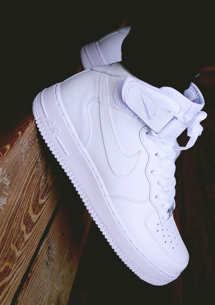 Nike Air Force 1 Mid: White...
