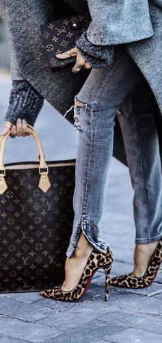 Louis Vuitton & Louboutin Heels, Street style...